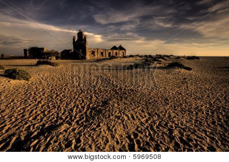 RUINOUS HINDU TEMPLE ON THE SAND