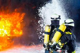 picture of firemen  - Firefighter  - JPG