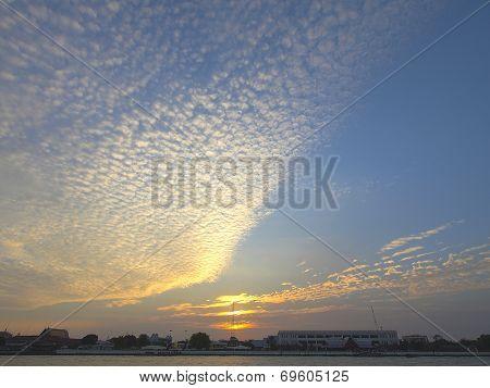 Cluster Clouds Scene