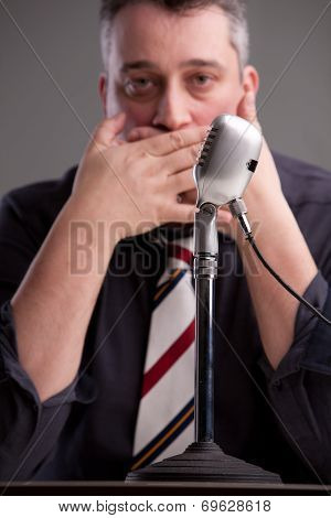 A Speaker That Can't Speak