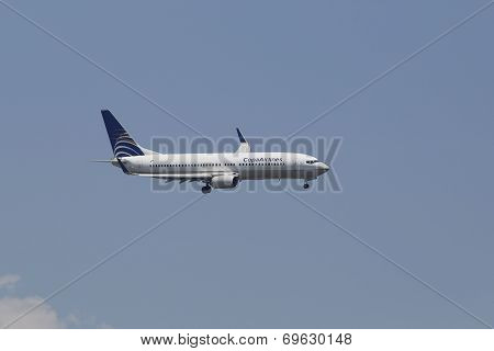 CopaAirlines Boeing 737-700 in New York sky before landing at JFK Airport