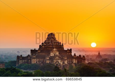 The  Temples Of , Bagan At Sunrise, Mandalay, Myanmar