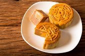 picture of mid autumn  - Chinese moon cake  - JPG
