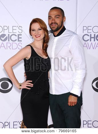LOS ANGELES - JAN 07:  Sarah Drew & Jesse Spencer arrives to the People's Choice Awards 2014  on January 7, 2015 in Los Angeles, CA