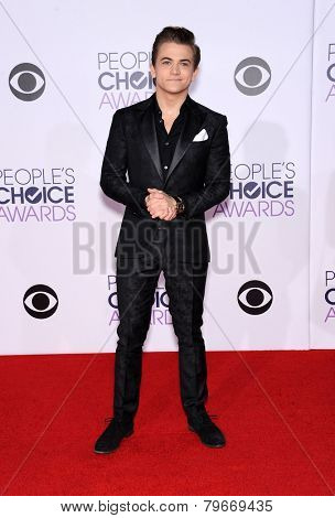 LOS ANGELES - JAN 07:  Hunter Hayes arrives to the People's Choice Awards 2014  on January 7, 2015 in Los Angeles, CA