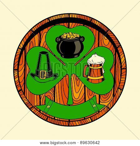 Round wooden shield with shamrock.