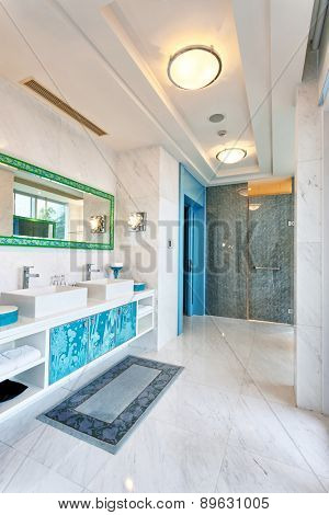 Hangzhou,China-April 22,2014:china decorated bathroom of Dragon hotel.