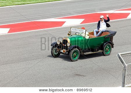 BARCELONA- MAY 9: Kamui Kobayashi of BMW Sauber-Ferrari on parade of pilots before a stage of race t