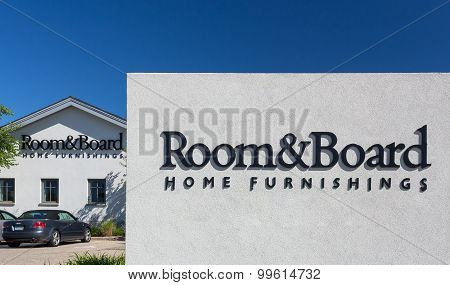 Room & Board Store Exterior