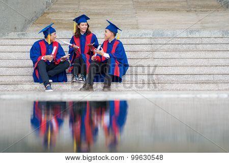 Chatting graduates