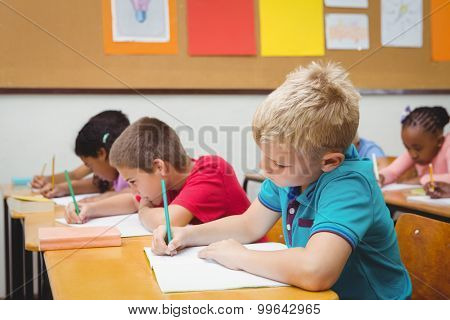 Pupils working at school work at the elementary school