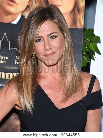 LOS ANGELES - AUG 19:  Jennifer Aniston arrives to the