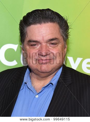 LOS ANGELES - AUG 13:  Oliver Platt arrives to the Summer 2015 TCA's - NBCUniversal  on August 13, 2015 in Hollywood, CA