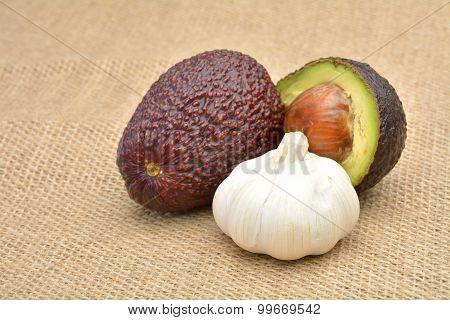 Avocado With Garlic