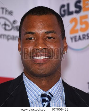 LOS ANGELES - OCT 23:  Jason Collins arrives to the GLSEN Awards 2015 on October 23, 2015 in Hollywood, CA.