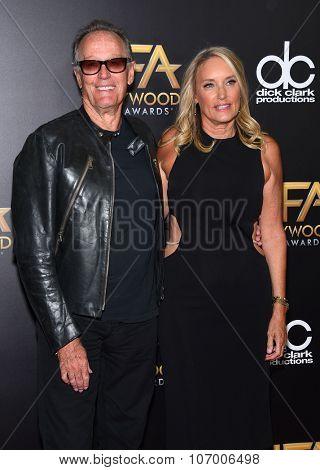 LOS ANGELES - NOV 1:  Peter Fonda & Margaret 'Parky' DeVogelaere arrives to the Hollywood Film Awards 2015 on November 1, 2015 in Hollywood, CA.