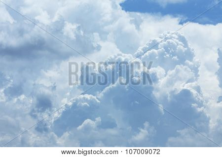 White Cloud Covered Sky, Cloudy Dramatic Sky, Abstract Heaven Background