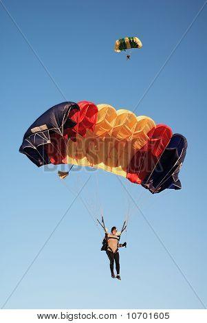 Parachutists  In Air