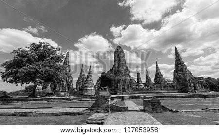 Chaiwatthanaram Temple In Black And White, Ayutthaya,thailand