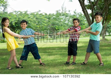 Tug-of-war Game