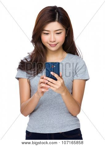 Woman use of the cellphone