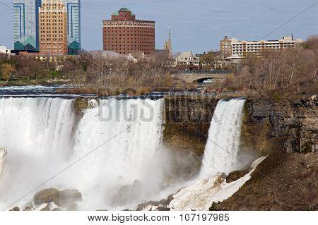 Amazing Niagara Falls In May