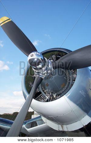 Airshow 879