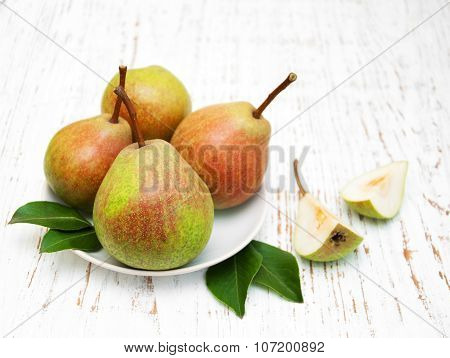 Bowl With Pears