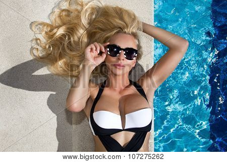 Beautiful Blond Hair Sexy Woman Young Girl Model In Sunglasses And Elegant White And Black Sexy Swim