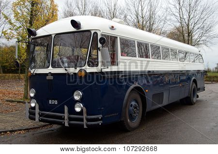 Crown Coach Bus - 1952 Crown Supercoach