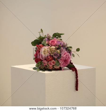 One Bouquet On Cube