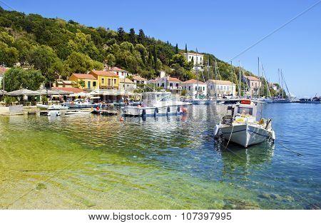 KIONI ITHACA GREECE, NOVEMBER 2015: landscape of the port of Kioni in Ithaca island, Greece. Editori