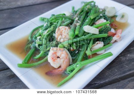 Fried Chayote In Oyster Sauce With Shrimp