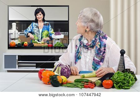 Watching at dietitian TV channel