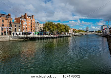 North bank of the river Liffey with the pedestrian Liffey Bridge