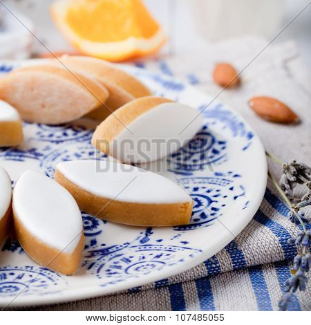 Calissons d'Aix-en-Provence. Traditional French Provence sweets.