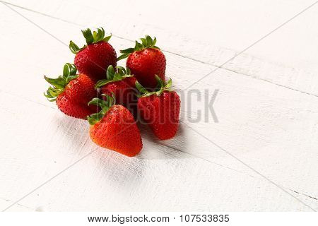 Set of 5 strawberries