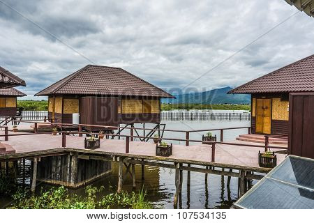Shwe Inn Tha Floating Hotel At The Inle Lake