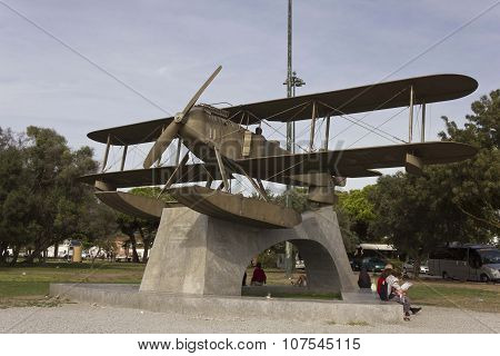 Santa Cruz Fairey Seaplane Monument