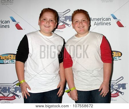 LOS ANGELES - NOV 7:  Benjamin Royer, Matthew Royer at the Adrian Gonzalez's Bat 4 Hope Celebrity Softball Game PADRES Contra El Cancer at the Dodger Stadium on November 7, 2015 in Los Angeles, CA