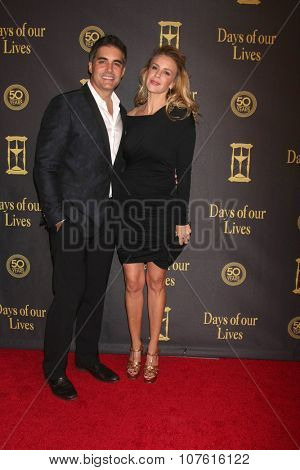 LOS ANGELES - NOV 7:  Galen Gering, Jenna Gering at the Days of Our Lives 50th Anniversary Party at the Hollywood Palladium on November 7, 2015 in Los Angeles, CA