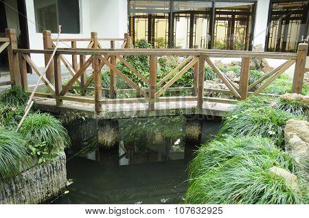 Chinese Zig Zag bridge