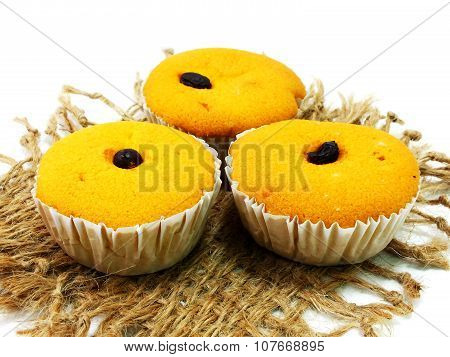 raisin, small, fork, snack, sponge, wheat, yellow, yummy, sugar, sweet, tasty, baked, food, cake, cl