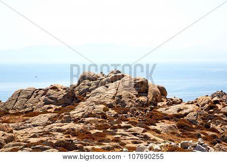 Famous   In Delos  Ruin Site