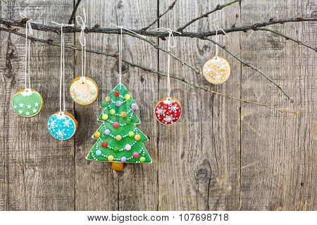 Gingerbread Christmas Tree With Hanging Cookies