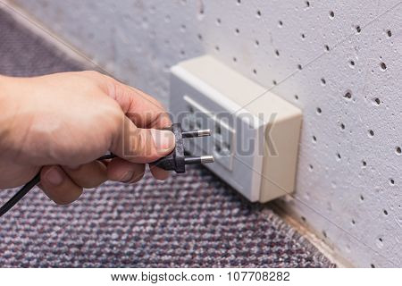 Plug Off