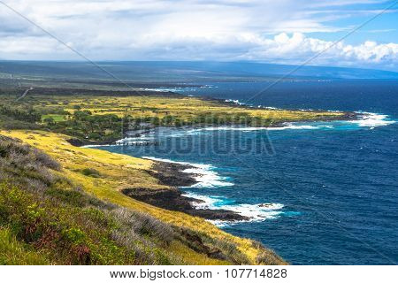Honuapo Bay coast in Big Island, Hawaii