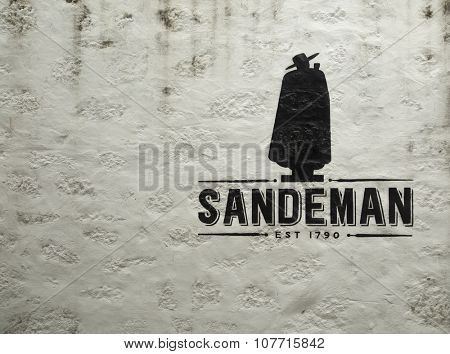 PORTO-PORTUGAL NOVEMBER 2, 2015:  Logo of Sandeman The