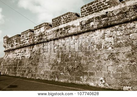 Fortified wall surrounding the historic center, Cartagena, Colombia