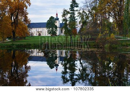 Castle Loucna